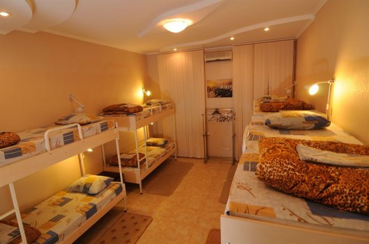 Где снять дешевую гостиницу в Киеве?