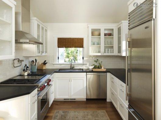 Маленькая кухня - и здесь найдем преимущества.